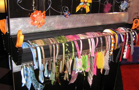 clip-it-up-ribbon-holder-jami-cha-custom.jpg