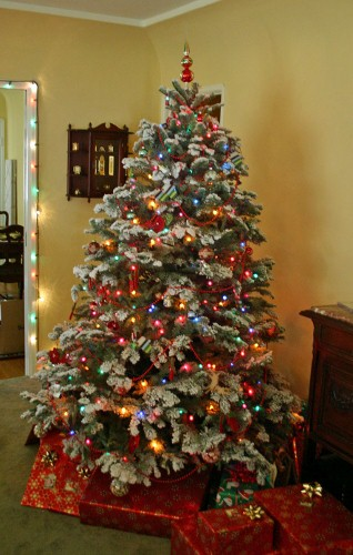 christmas-tree-fixed-318x500.jpg